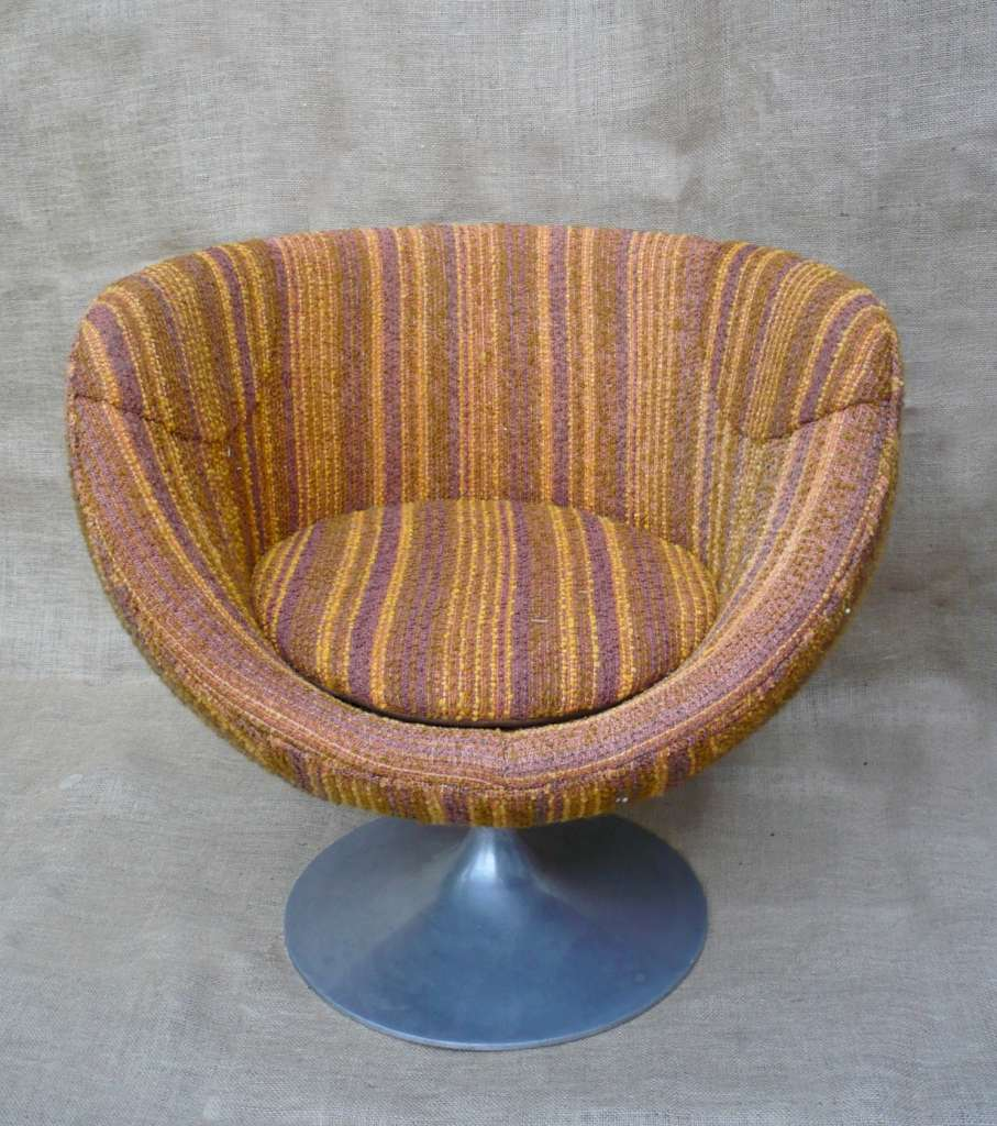 Mid Century ball chair in original wool upholstery