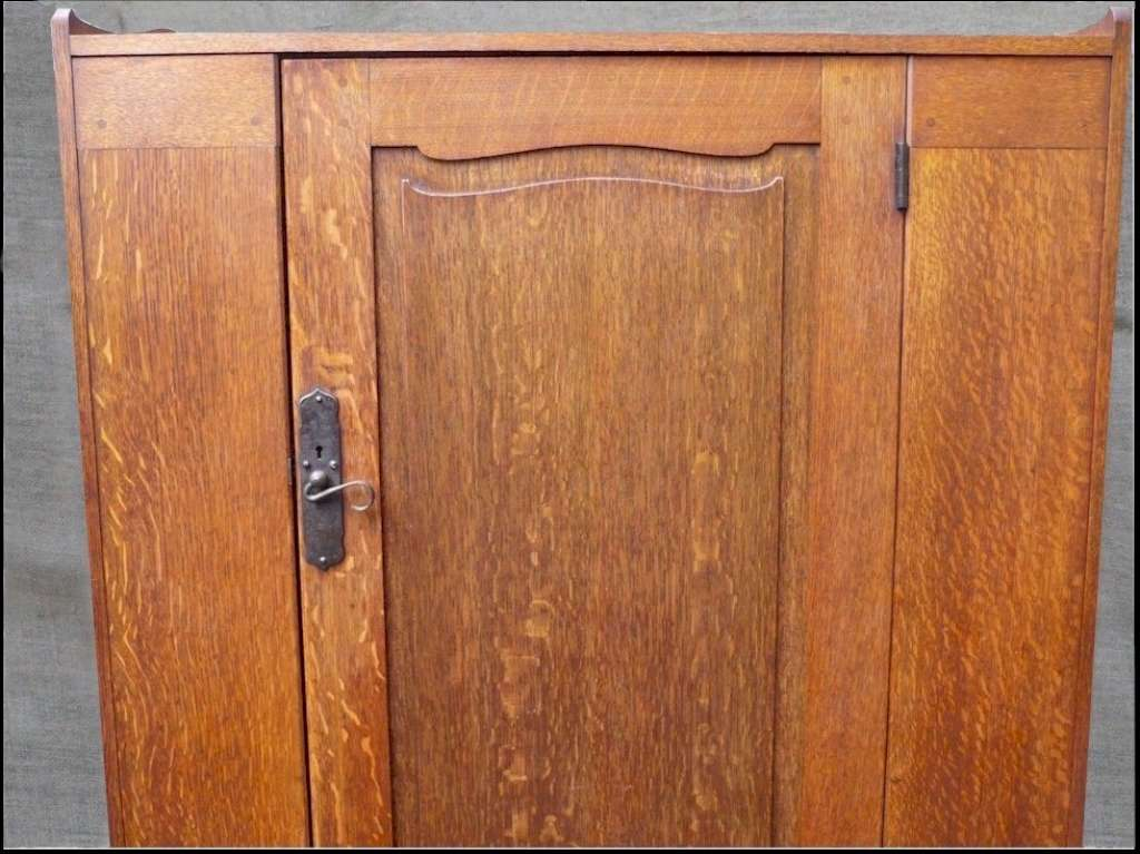 Ambrose Heal wardrobe in quarter sawn oak