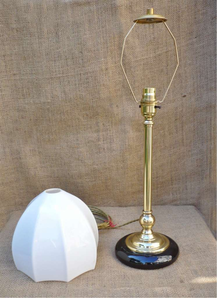 Unusual table lamp in brass with ceramic base | | Art ...
