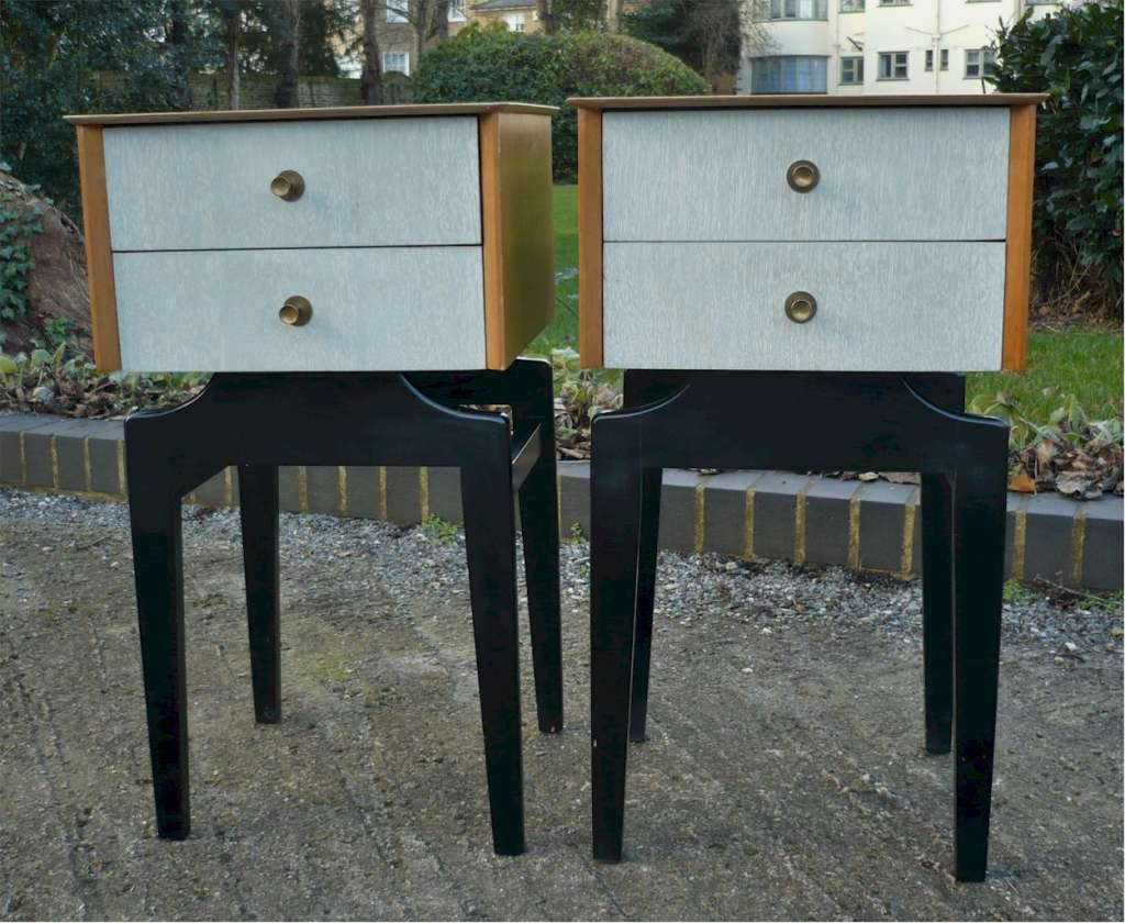 Pair of English Mid Century Modern bedside cabinets in oak