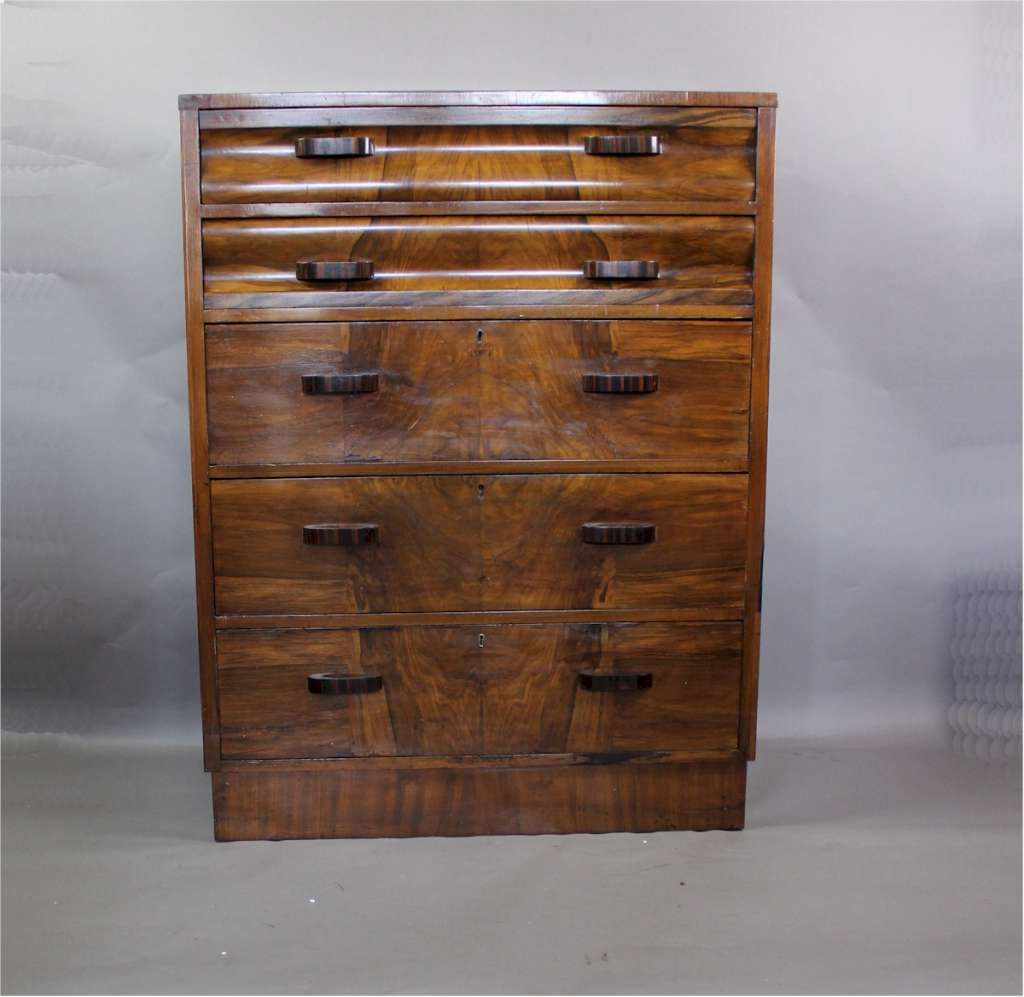 art deco chest of drawers in burr walnut veneer art. Black Bedroom Furniture Sets. Home Design Ideas