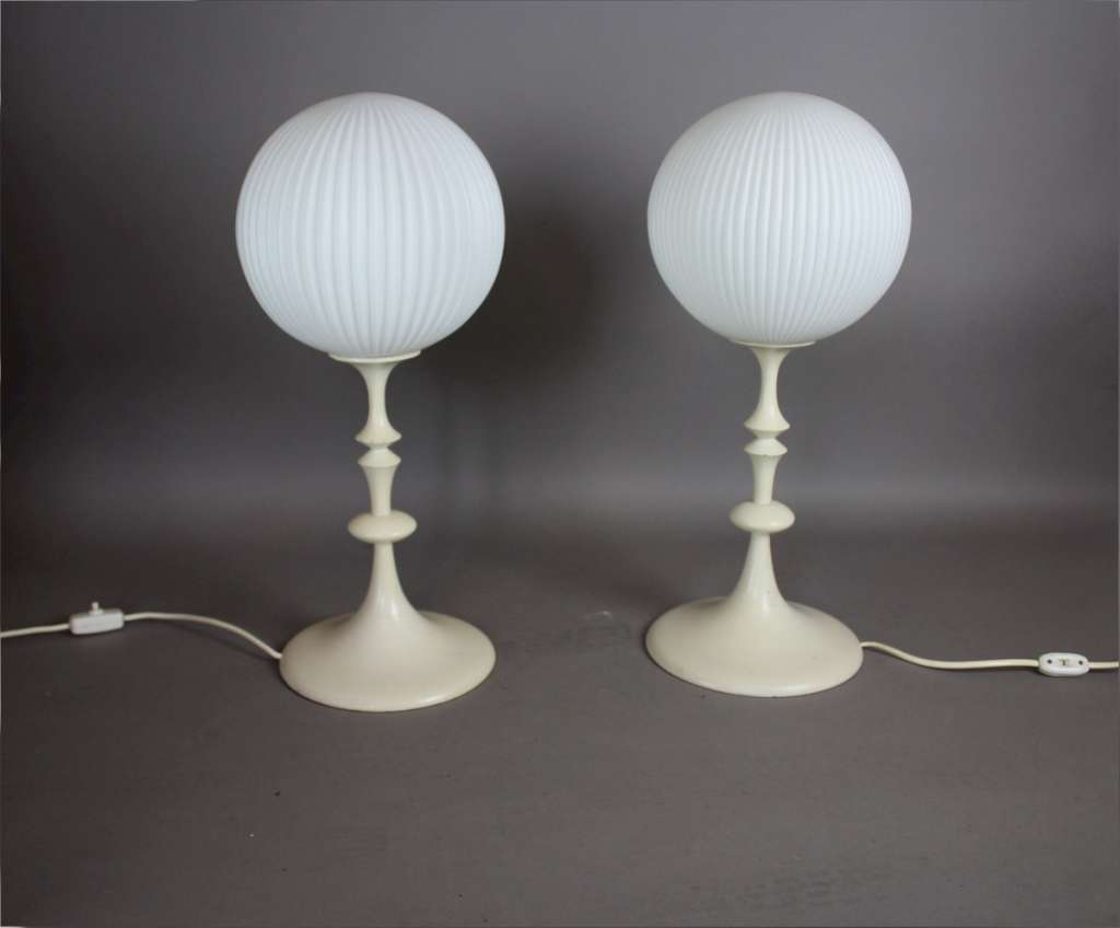 fabulous pair of 1960 39 s white painted turned wooden table lamps mid century modern art furniture. Black Bedroom Furniture Sets. Home Design Ideas