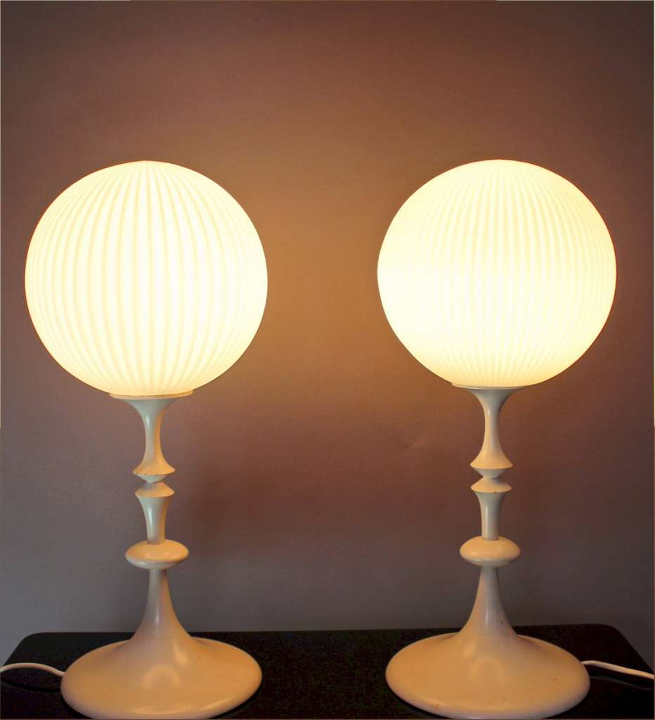 fabulous pair of 1960 39 s white painted turned wooden table lamps lighting table lamps art. Black Bedroom Furniture Sets. Home Design Ideas