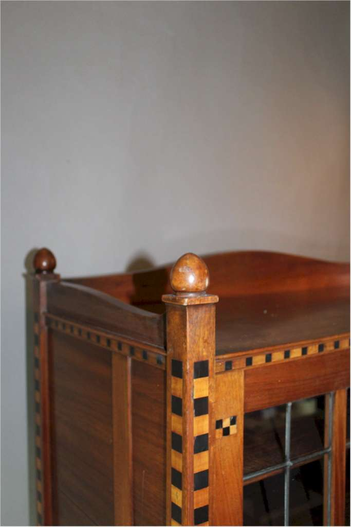 Interesting arts and crafts cabinet in mahogany with bold chequered inlay