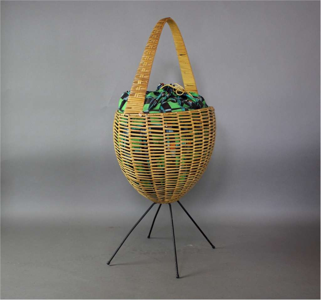 1950's sewing basket in wicker with original fabric